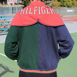 Tommy Hilfiger Spell out Hooded Jacket🍂